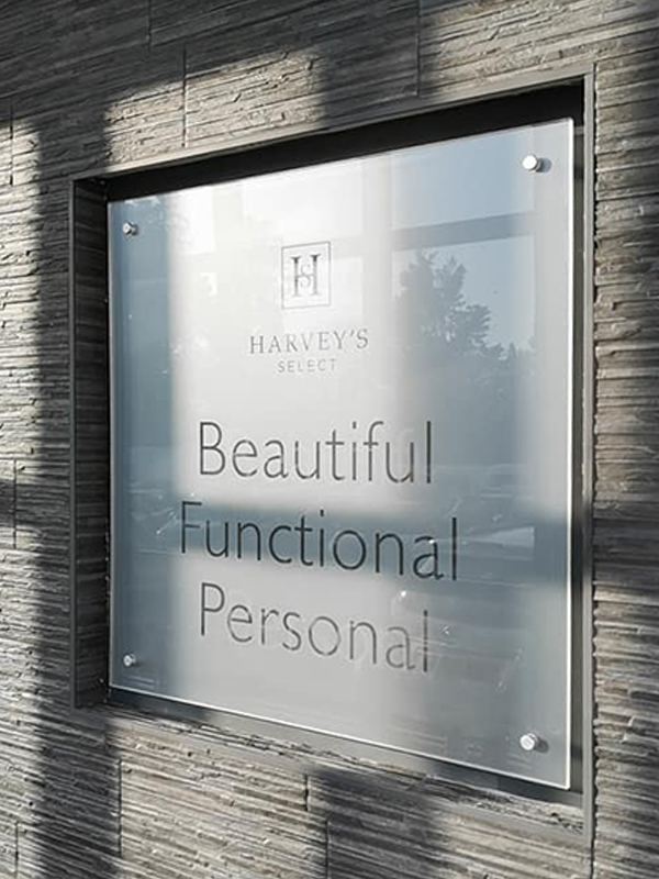 Harvey's Select entrance sign